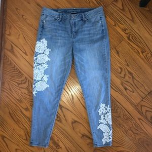 Floral embroidered skinny jeans 14